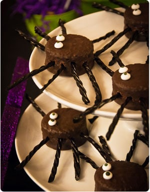 spiders cakes halloween