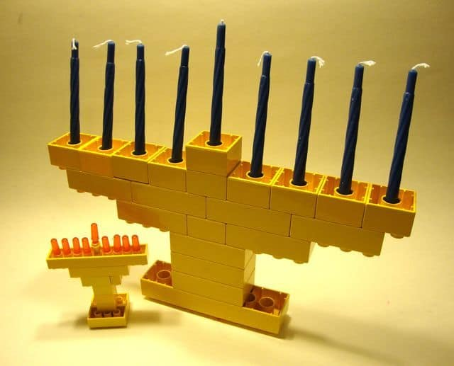 Lego Duplo Menorah - DIY Chanukah Menorahs