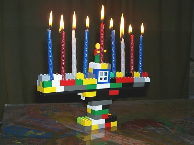 Lego menorah that really works. A DIY Hanukkah Menorah.