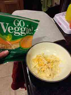 how to make cauliflower crust dough