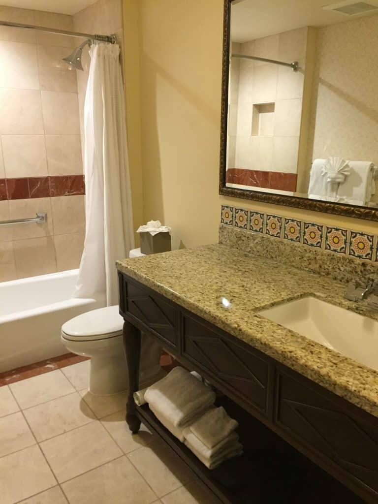 Review - Casa Munras Garden Hotel & Spa Monterey, California bathroom pic