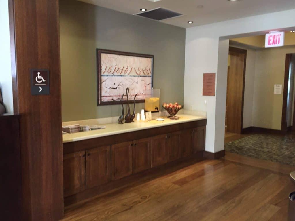Review - Casa Munras Garden Hotel & Spa Monterey, California lobby