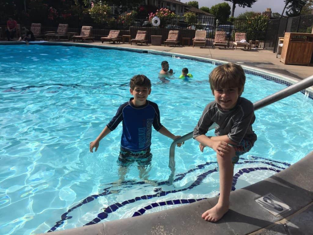 Review casa munras garden hotel spa monterey for Garden pool dennis mcclung
