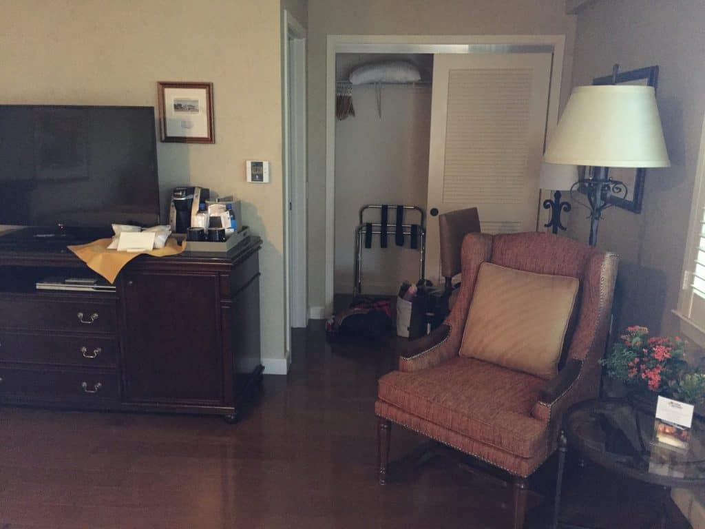 Review - Casa Munras Garden Hotel & Spa Monterey, California room pic