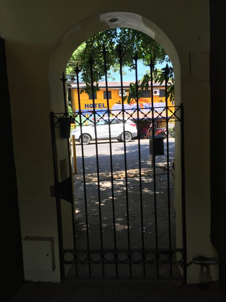Jardin del Eden Boutique Hotel Review gate from walkway to street