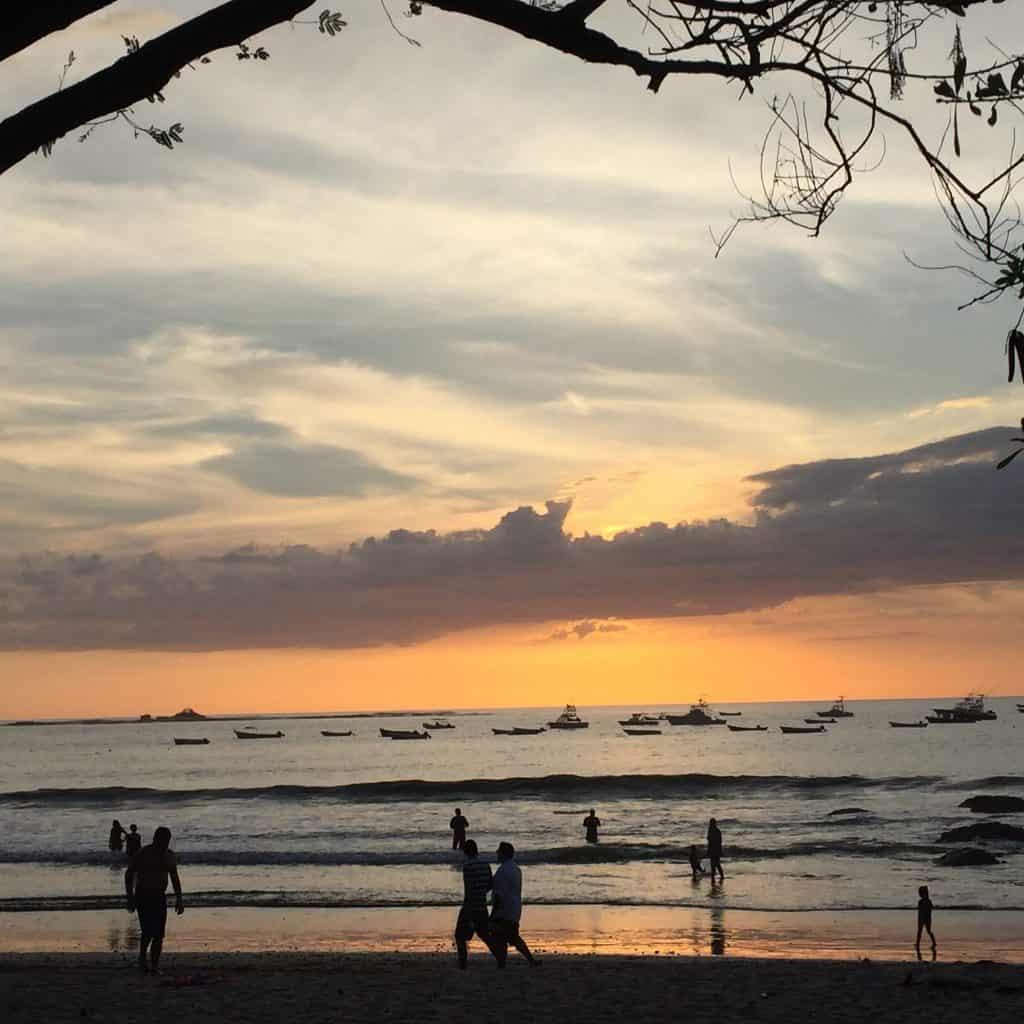 sunset playa tamarindo
