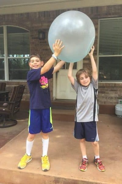 Super Wubble Ball Review with kids ages 8 and 10 outside