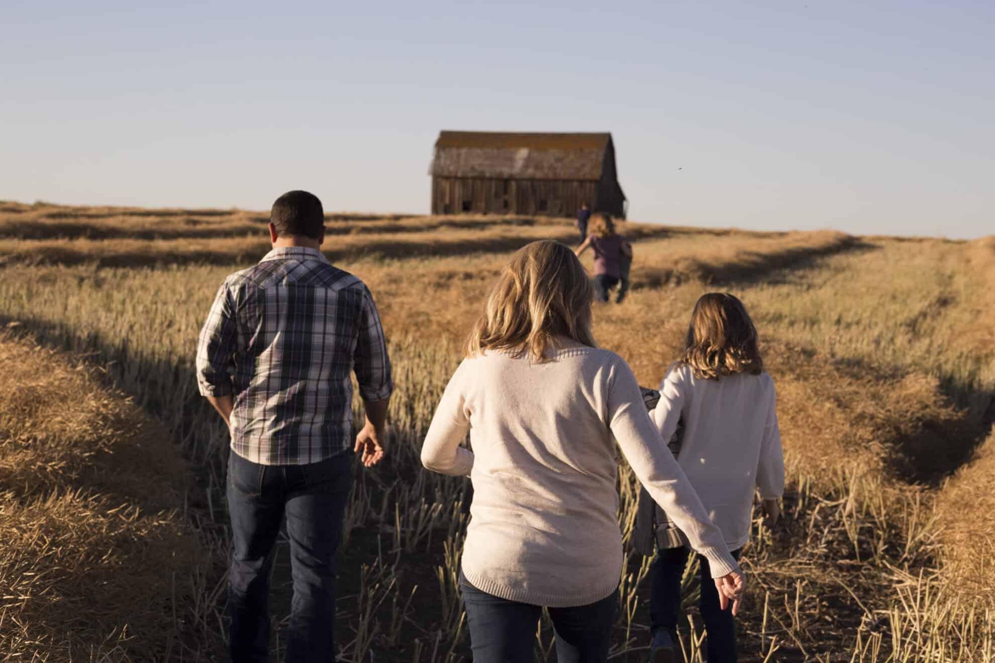 family scavenger hunt staycation ideas for kids