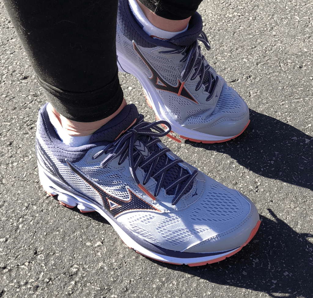 mizuno wave runner 21 running shoes