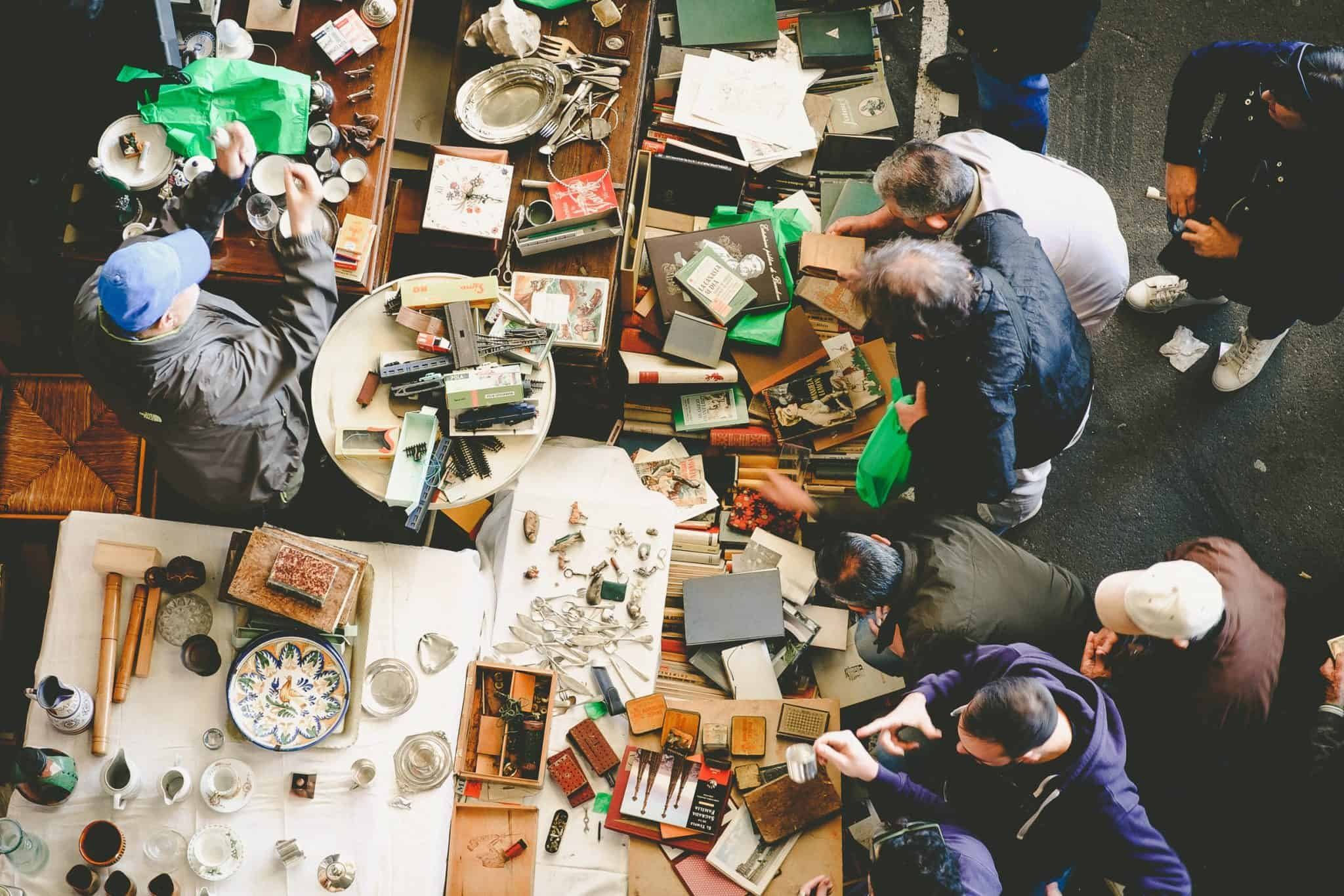 How to Get the Best Deals at Garage Sales - Shopping Garage Sales Tips