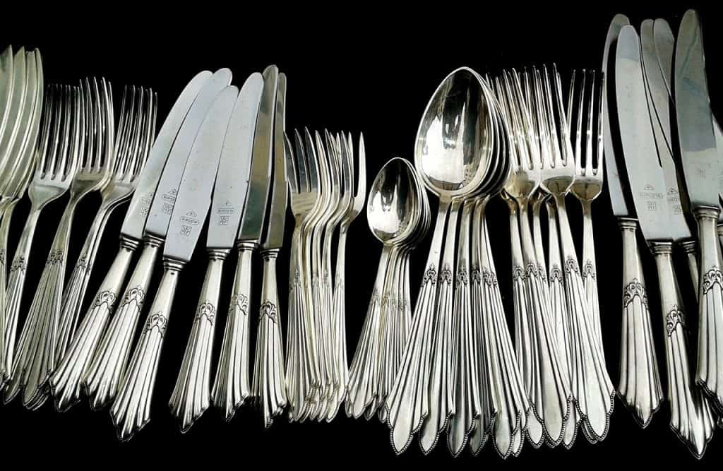 cutlery silver cleaning silverware forks knives spoons