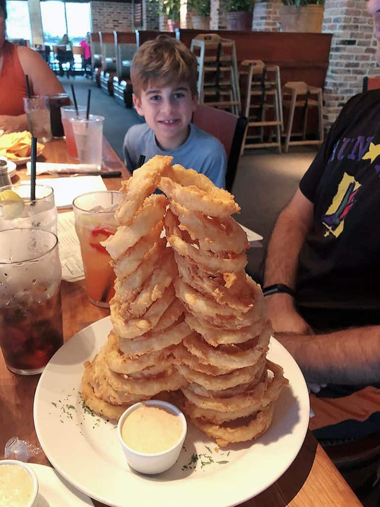 Cheddar's Scratch Kitchen Austin Texas tower of onion rings austin food blogger