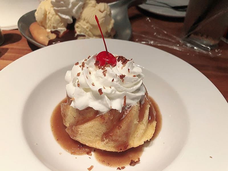 Dessert at Cheddar's Scratch Kitchen in Austin Texas - Restaurant Review
