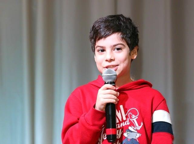 boy microphone sing in mic