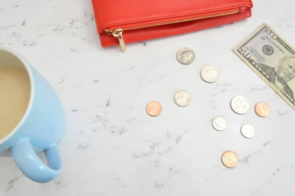 budget- creating budgeting-cash