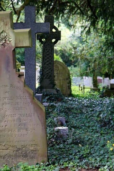 cemetery-countryside-cross-garden-116906